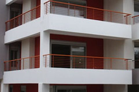 2006: Three-story apartment building with pilotis and basement in Chalkida